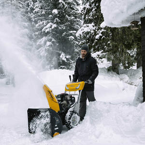 Hoida talven lumityöt vaivattomasti kunnon välineillä!